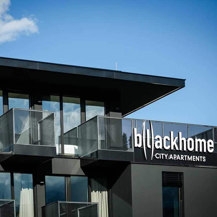 Blackhome City Apartments.Hotels