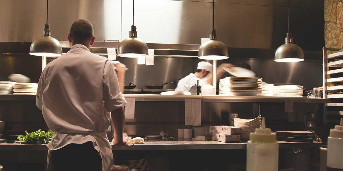 Fachkraeftemangel Hotellerie und Gastronomie